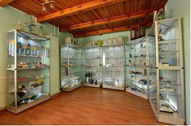 Виставка лабораторного посуду та обладнання